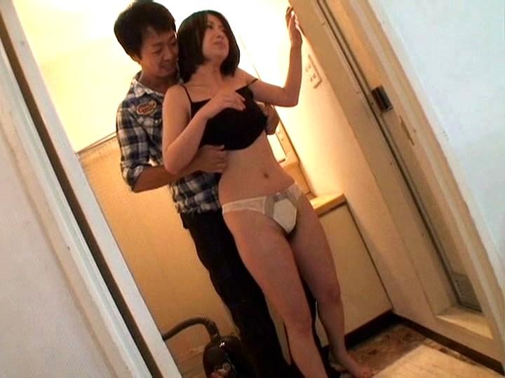 今夜あなたの妻が浮気します!旦那が風呂に入っている約30分の間に行う心臓爆発寸前のチョー快楽ファーック!! VOL.4